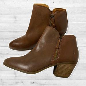 NWOT Frye Judith Double Zip Boots